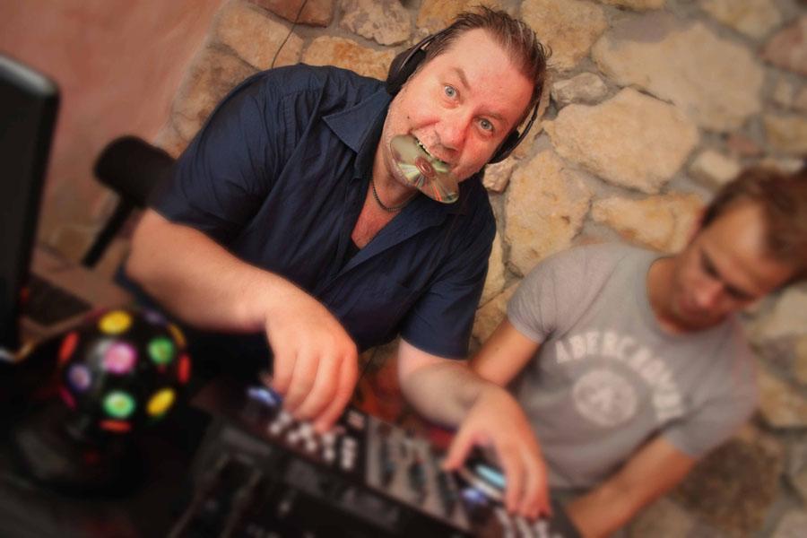 DJ Tom kontakt